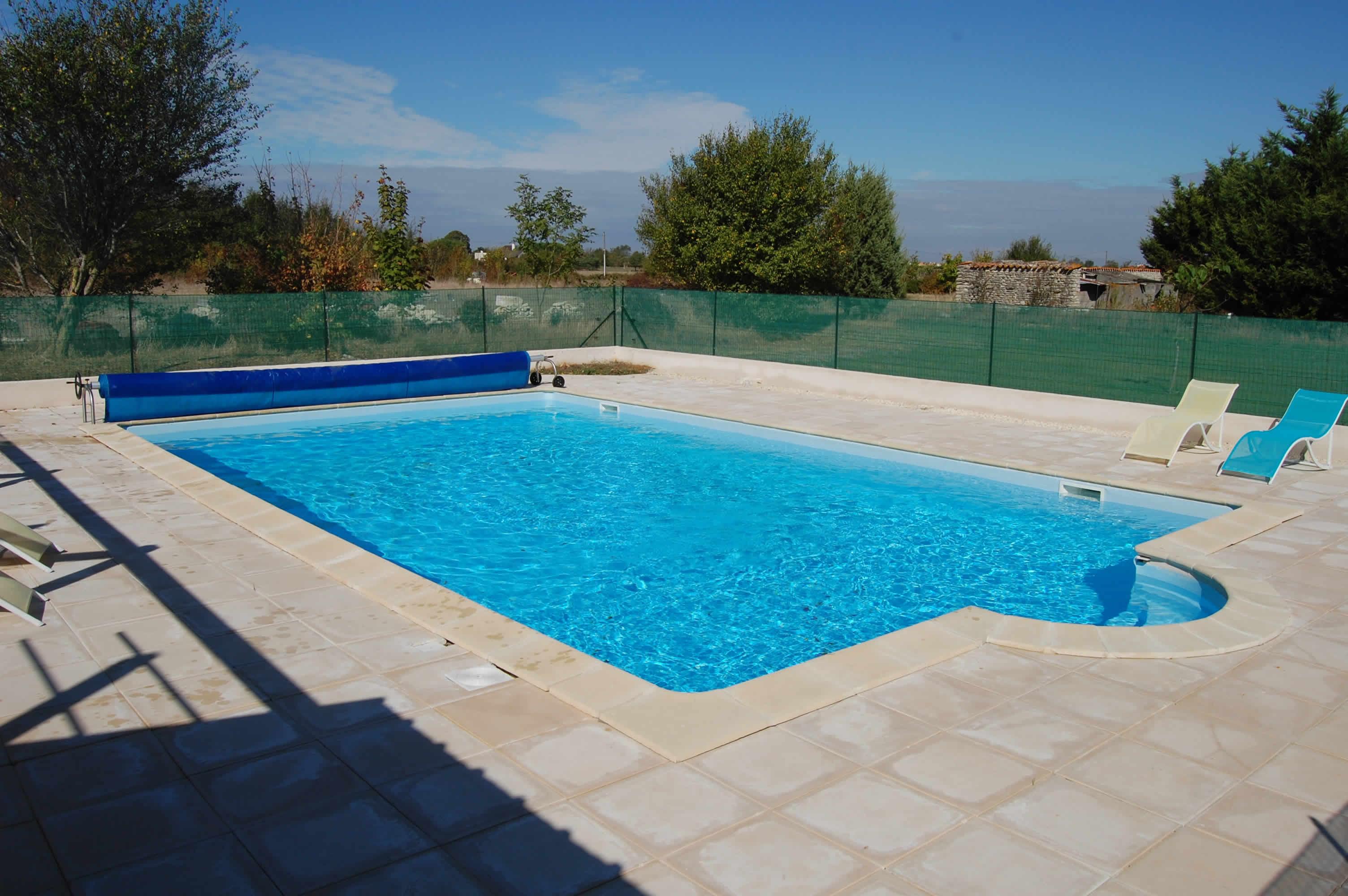 Gite avec piscine chauff e pr s de la rochelle for Camping pres de la rochelle avec piscine